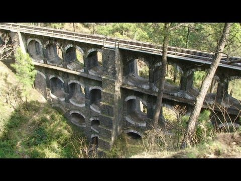 Indian Railways - Kalka to Shimla - Drivers eye view at 5 times full speed - Part 1