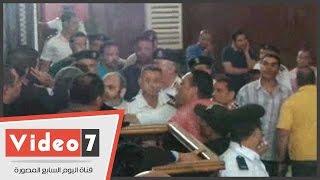 اشتباكات بين الأمن ومتهمى أحداث رابعة ومحاولات لتكسير القفص