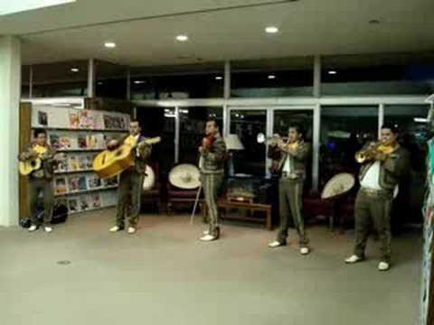 Mariachi Mexico 2000 at the Asheboro library - Rocky Top