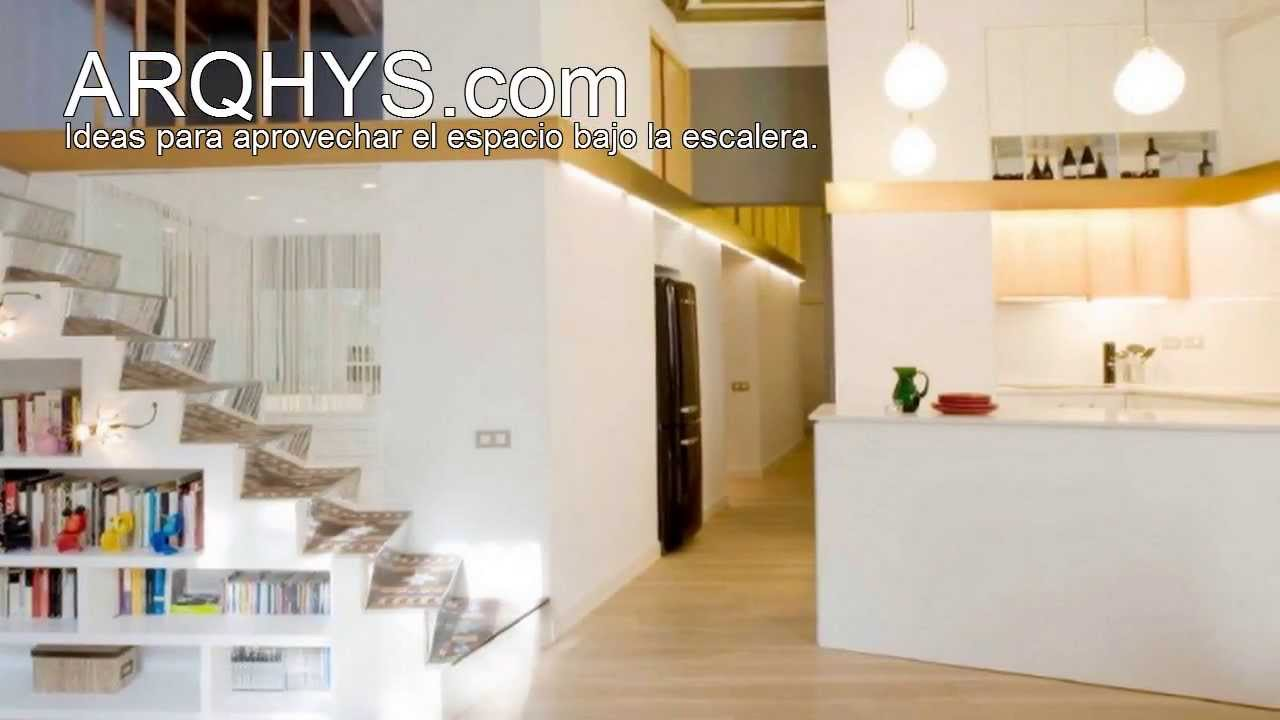 Ideas para aprovechar el espacio bajo la escalera youtube for Decoracion para pared de escaleras