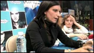 Mixup: Laura Pausini en Firma de Autógrafos