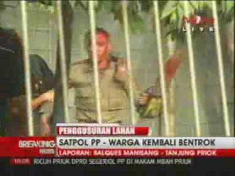 Tanjung Priok - Petugas Satpol PP Terluka