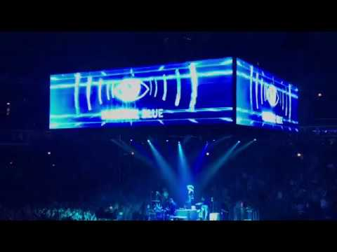 Electric Blue (arcade fire live) united center, Chicago