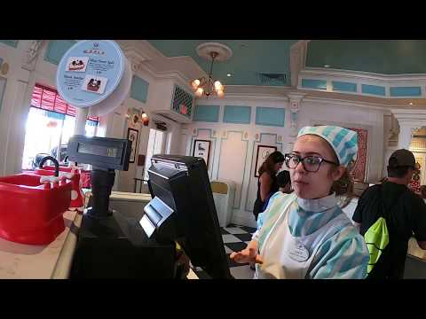 GLUTEN FREE Allergy friendly DISNEY WORLD Magic Kingdom Plaza Ice Cream Parlor SUBSCRIBE!!
