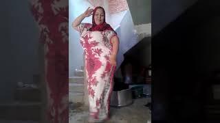 Download Video Desi Kashmiri/Arabic Woman/Aunty Dancing MP3 3GP MP4