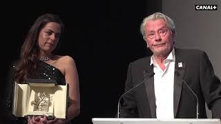 Alain Delon reçoit la Palme d'Honneur