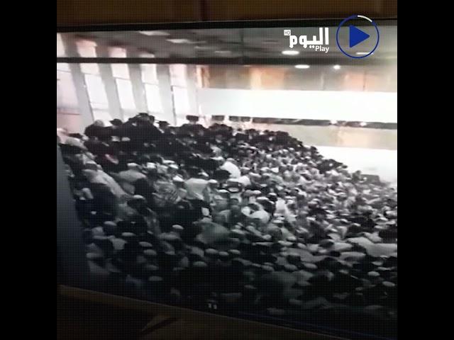 لحظة انهيار مدرج في حفل ديني ببلدة جفعات زئيف شمالي القدس