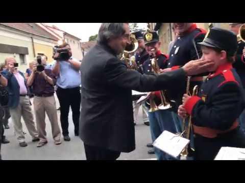 Riccardo Muti dirigiert das Blasorchester der Musikschule Deutsch Wagram