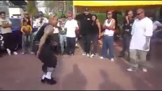 Cholos bailando Rock