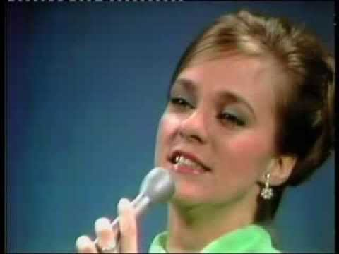 Connie Smith - Where Is My Castle