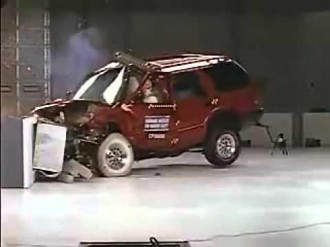 7 Bad Crash Test 5 Crash Test 1995 2004 Chevrolet Blazer 1998
