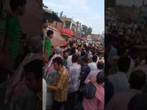 فيديو: مواطنين في المحويت يضربون مشرف الحوثي ويطردوه مع مسلحيه من سوق شعبي