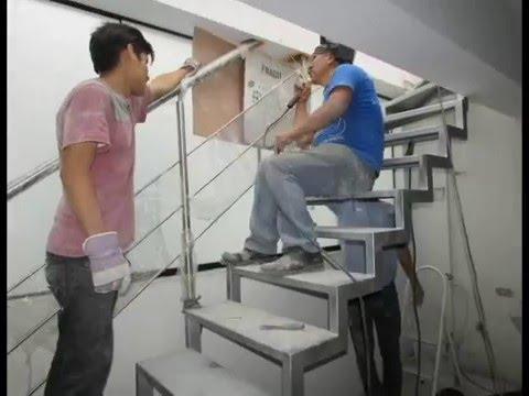 Escalera met lica pasamano de acero inoxidable youtube for Escaleras retractiles