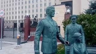 Памятник из кинофильма - Офицеры