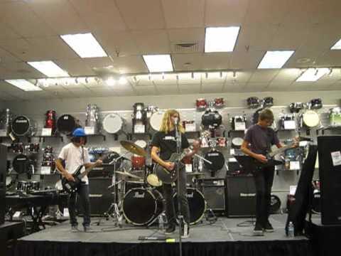 ROCKamp 2012 - Sam Ash Music store in Torrance ( 9 )