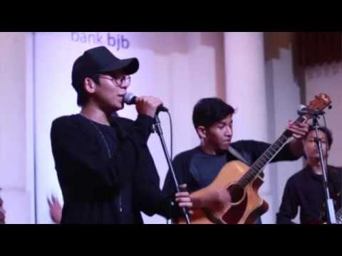 57Kustik - Indonesian Traditional Song Medley (Live @Braga Citywalk)