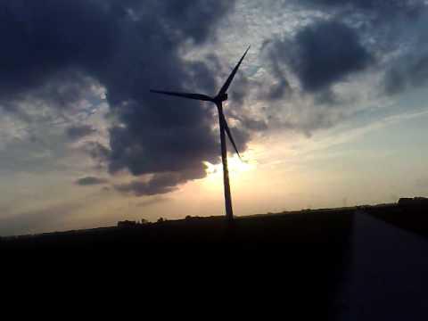 Windmolen bij Elburg in zon