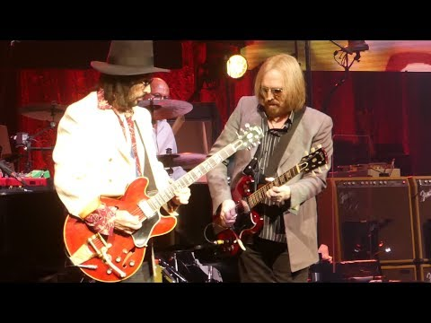 """""""Free Fallin"""" Tom Petty & The Heartbreakers@Wells Fargo Center Philadelphia 7/29/17"""