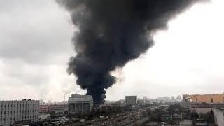 СРОЧНО! В Москве произошел крупный пожар на складе с тканями