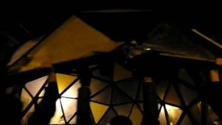 Cúpula geodésica autoconstruida en procesión de Olivar a Doctor Fourquet