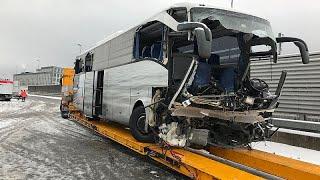 Schweiz: 1 Tote bei Unfall mit Reisebus