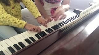 Первые уроки фортепиано для малышей