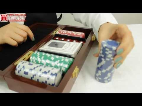 Покерный набор, 100 фишек. Покерный набор в деревянном кейсе.