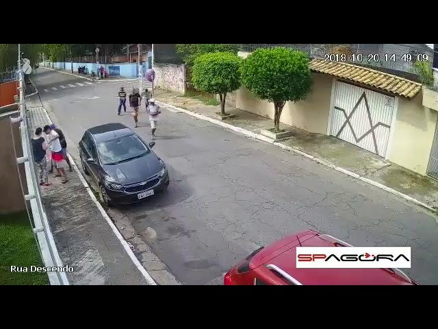 Roubo de carro na zona leste de São Paulo