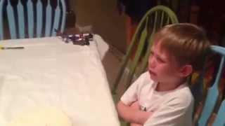 ردة فعل طفل عند علمه بان امه حامل باخت ثالثه له