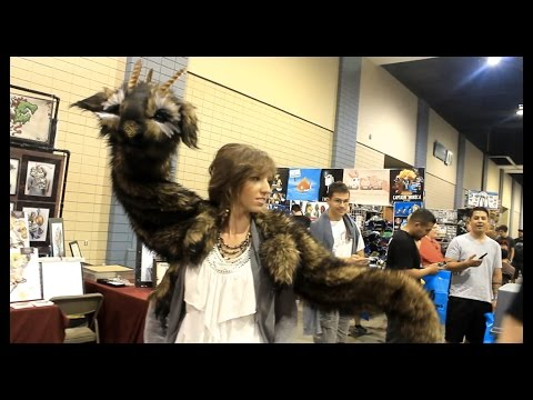 Blinking Life-Sized Puppets Wood Splitter Lee Wizard World Comic Con