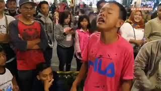 VIRAL !! Bocah nyanyi senggakan JANJINE | Angklung Malioboro | Story WA