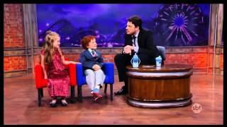 The Noite (16/10/14) - Leite Show - O que as crianças gostam de comer?
