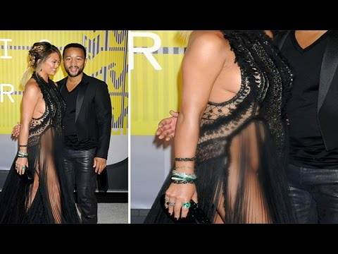 Chrissy Teigen Goes Without Underwear,Wardobe Malfunction American Music Awards 2016 Red Carpet !