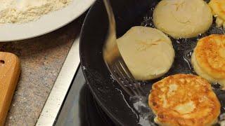 Сырники на сковороде - простой рецепт из творога