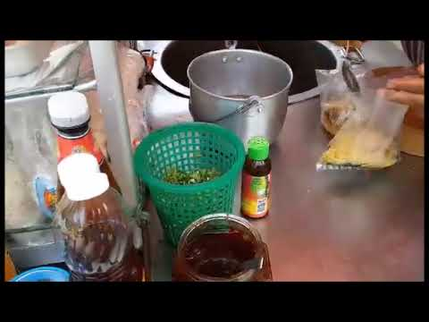 Thai Street Food /Quitiaew Bah Mee Noodle Soup