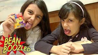 JELLY BELLY com MUITA DIVERSÃO e BRINCADEIRAS!!! ★ Balinhas Bean Boozled Surpresa (Ft. JULIA MORAES)