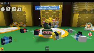 ROBLOX Bee Simulator DOING The MISSION of the BEAR and BEING TROLLED!!