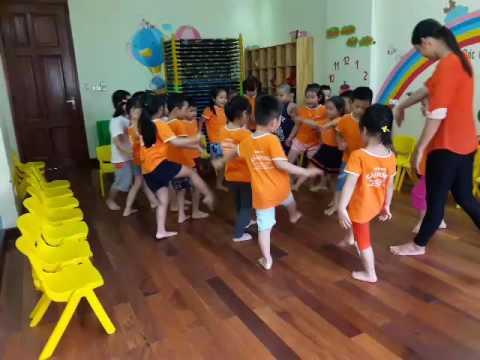 The Hokey Pokey Shake | Kids Dance Song | Super Simple Songs