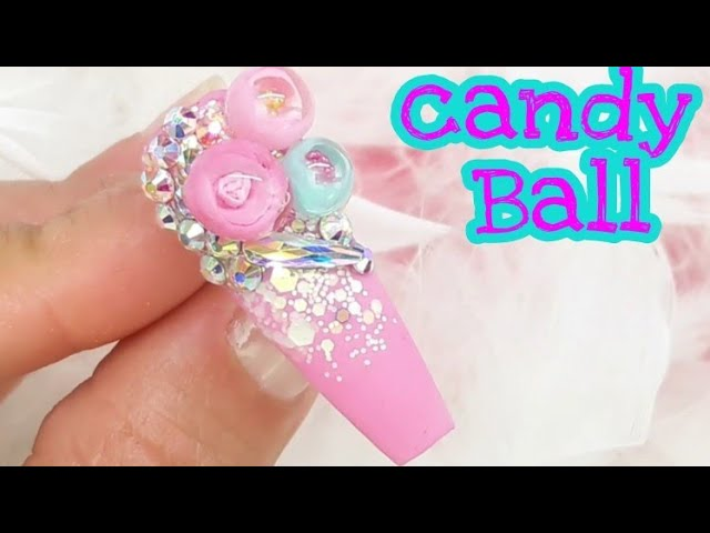 Candy Ball tendencia en uñas acrílicas????