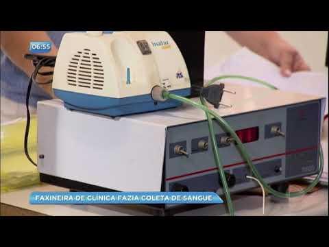 Faxineira de laboratório fazia coleta de exames de sangue