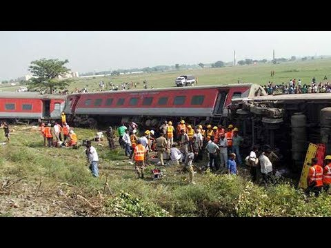 नागपुर-मुंबई दुरंतो एक्सप्रेस पटरी से उतरी | Nagpur-Mumbai Duronto Express derail | FM News |
