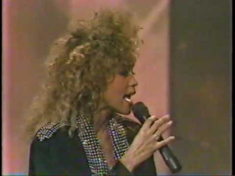 Whitney Houston - How Will I Know? (LIVE! 1986)