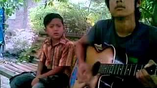 [muviza.com] -anak kecil nyanyi keren dan lucu.mp4