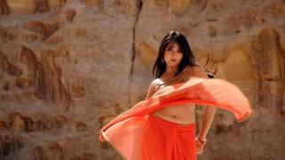 vuclip South Actress Anushka's Sizzling Pics Collection