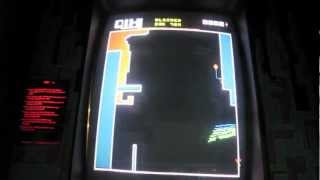Taito QIX Arcade Game Cabinet Review and Overview - 1981 TAITO
