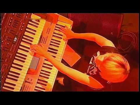 12 Faithless  God is a DJ Glastonbury 2002 widescreen HiQ