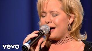 Jeff & Sheri Easter - She Loved [Live]