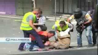 فيديو صادم لم تشاهده من قبل ..شاهد ماذا حدث لمسن فلسطيني يتقدم نحو جنود الاحتلال لمنعهم من إطلاق النار