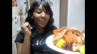Spicy Steamed Snow Crabs W/garlic Butter-corn & Sausage