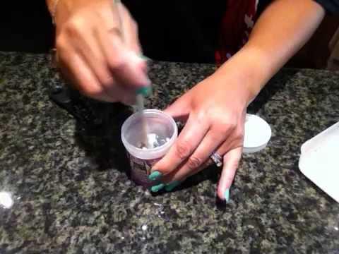 como hacer goma para pegar fondant y flores - youtube